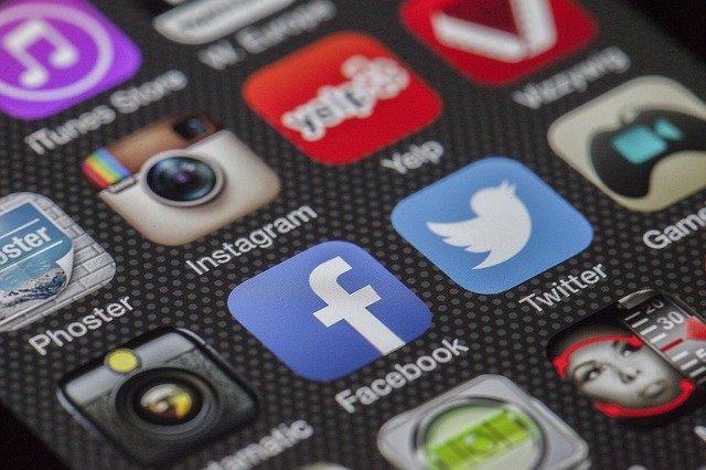 prowadzenie social media cennik